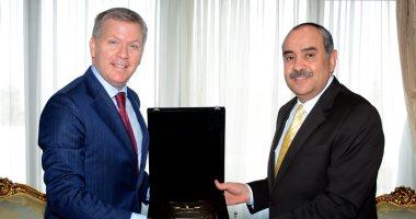 وزير الطيران يبحث مع سفير كندا بالقاهرة سبل تعزيز التعاون بين البلدين