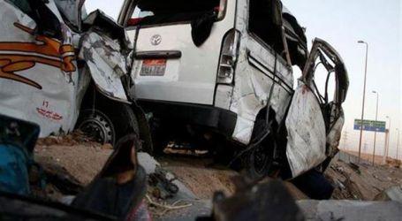 مصرع 12 شخصاً فى حادث تصادم سيارتين بطريق العلاقى أسوان