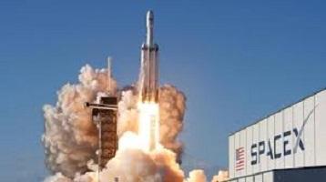 سبيس إكس تستعد لتفجير صاروخ فالكون 9 بعد إطلاقه