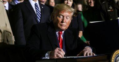 ترامب يناشد الرعايا الأمريكيين بمغادرة العراق فورًا