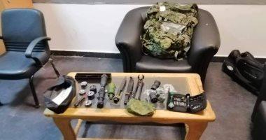 جمارك مطار القاهرة تضبط محاولة تهرب بندقية قنص مفككة وأجزاء أسلحة