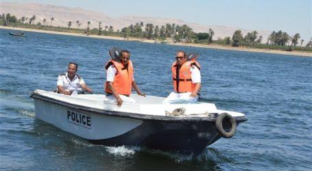 إنقاذ 18 راكبا من داخل أتوبيس نهرى بأسيوط