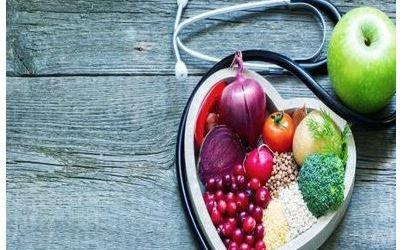 اتباع نظام غذائي غير صحي يرتبط بفقدان البصر في وقت لاحق من الحياة
