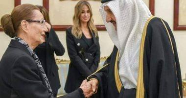 الأمير منصور بن متعب يقدم العزاء لسوزان مبارك