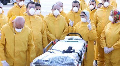 وزيرة الصحة تلتقي المصريين العائدين من ووهان قبل مغادرة الحجر الصحي إلى منازلهم