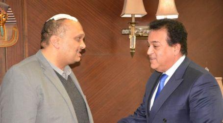 وزير التعليم العالي يزور أستاذ جامعة الإسكندرية المعتدى عليه