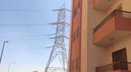 أهالى مدينة الشروق يطالبون الأجهزة المعنية بنقل أبراج الضغط العالى وإعلان جداول زمنية لذلك