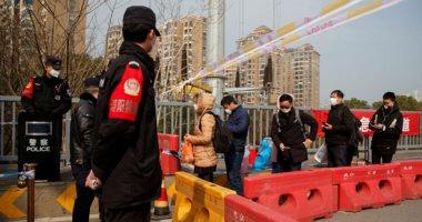 سفير مصر بالصين يستنكر شائعات السوشيال.. ويؤكد: لا يوجد إجلاء لبعثتنا
