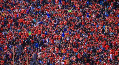 توافد جماهير الأهلي على استاد القاهرة قبل ساعات من مباراة صن داونز.. صور