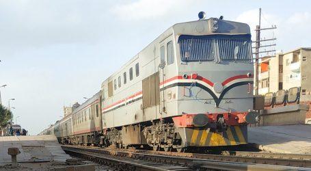 عودة حركة القطارات لطبيعتها بعد تصادم قطار بسيارة نقل في أسيوط