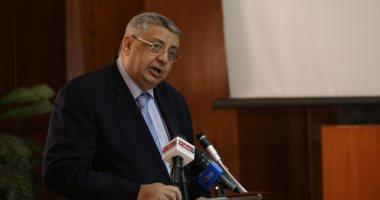 مستشار الرئيس السيسي للصحة يناشد المواطنين بمساعدة الدولة في مواجهة كورونا
