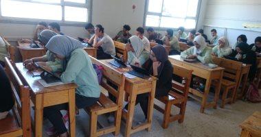 التعليم تنفى إلغاء الترم الثانى وتحديد حالة الطالب من درجات الترم الأول