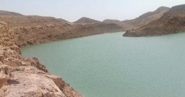 احتجاز 5 ملايين متر مكعب من مياه السيول خلف سد الكرم بوسط سيناء