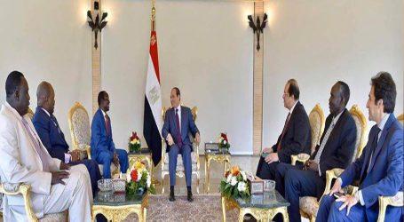 السيسي يرحب بالبدء في تشكيل حكومة الوحدة الوطنية بجنوب السودان