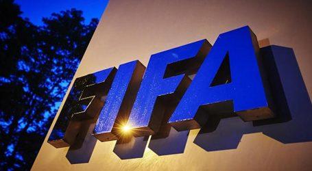 الفيفا: إيقاف رئيس الكاف 5 سنوات للفساد المالي