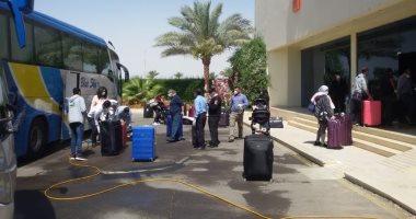 العائدون من أمريكا يغادرون مرسى علم إلى القاهرة بعد انتهاء الحجر الصحى غدا