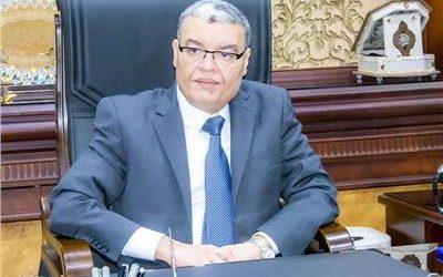 محافظ المنيا أسامه القاضي يمنع دخول العاملين والمواطنين بدون كمامة للمصالح الحكومية
