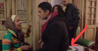 """تعليق آسر ياسين بعد جلوسه على كوباية شاي في مسلسل """" بـ 100 وش"""""""