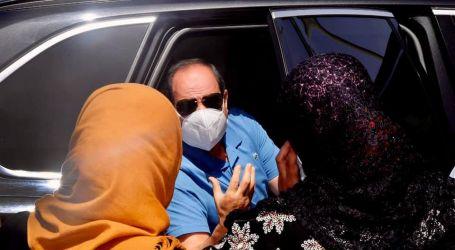 الرئيس السيسي يتفقد مشروع الاسمرات ٣ السكني بالمقطم (صور)