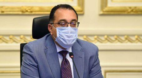 مصطفى مدبولي يتفقد أعمال تطوير ميدان التحرير