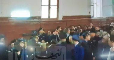 الحكم على رئيسى الوزراء الجزائريين السابقين أويحيى وسلال بـ12 سنة سجنا