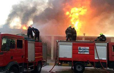 7 مصابين و تفحم 31 سيارة ومعرض سيارات نتيجة حريق خط بترول الإسماعيلية
