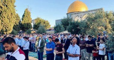 صور.. الفلسطينيون يؤدون صلاة عيد الأضحى بالمسجد الأقصى