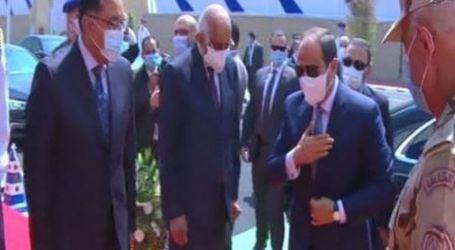 وصول الرئيس السيسى مقر افتتاح عدد من المشروعات القومية منها المرحلة الثالثة من الأسمرات