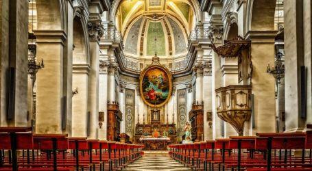 تفشي إصابات كورونا في الكنائس بعد إعادة فتحها بأمريكا