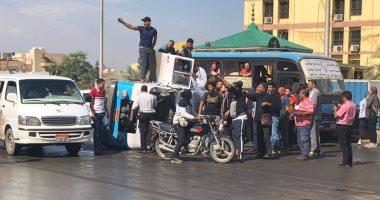 زحام مرورى إثر انقلاب سيارة نقل أعلى كوبرى التونسى اتجاه الأوتوستراد