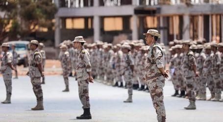 حفتر يتفقد وحدات عسكرية ليبية ويقف على جاهزيتها لتحرير البلاد