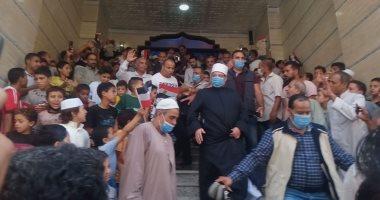 """أهالى الشرقية يستقبلون وزير الأوقاف بـ""""الطبل والمزمار"""" قبل افتتاح مسجد"""