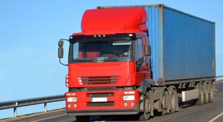 استئناف حركة شاحنات بضائع الترانزيت بحرا مع السعودية