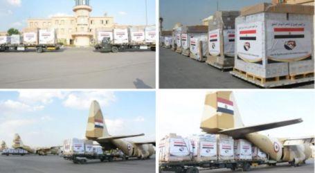 مصر تواصل تكثيف رحلات الجسر الجوى لتقديم الدعم لمتضررى السيول بدولة السودان(صور)