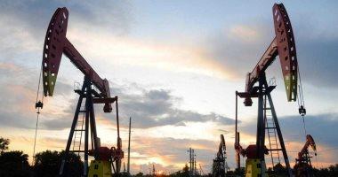 أسعار النفط تسجل 43.57 دولار لبرنت و41.20 دولار للخام الأمريكي