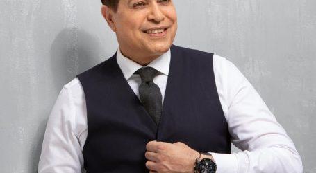 """حكيم يحتفل بتخطى أغنيته الجديدة """"صحاب أونطة"""" مليون مشاهدة"""