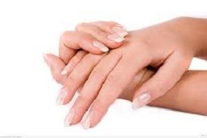 وصفات طبيعية لتقشير اليدين وتجديد شبابها.. ضرورية مع تقلب الجو