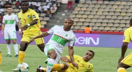 الجزائر يتأهل إلى كأس الأمم الإفريقية بعد تعادله 2-2 مع زيمبابوي