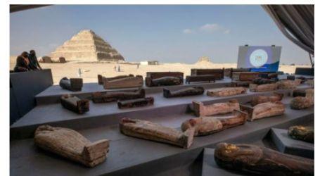 نيويورك تايمز : مصر تكتشف مومياوات جديدة يعود تاريخها إلى 2500 عام