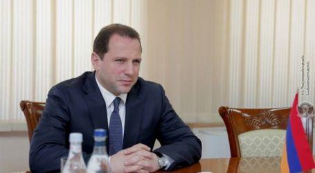 وزير الدفاع الأرميني يقدم استقالته
