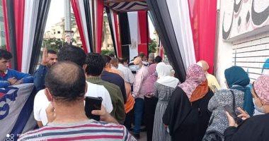 شاهد طوابير الشباب والسيدات أمام لجان انتخابات مجلس النواب بالعبور