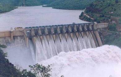 وزيرا الكهرباء والإسكان يشهدان احتفالية تحويل مجرى نهر روفيجى بتنزانيا