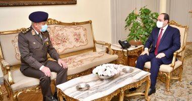 الرئيس السيسى يجتمع بالفريق أول محمد زكى وزير الدفاع والإنتاج الحربى