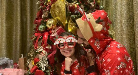محمد صلاح يحتفل مع أسرته بالكريسماس