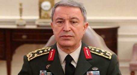 زيارة غير معلنة.. وزير الدفاع التركي يصل إلى ليبيا