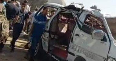 إصابة شخصين فى انقلاب سيارة بينهم رئيس جهاز مدينة ملوى الجديدة بالمنيا
