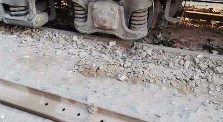 خروج عربة من قطار الركاب أسيوط سوهاج عن القضبان قبل دخوله محطة صدفا..فيديو