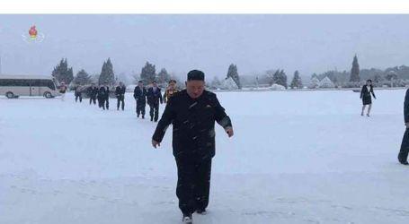 """بـ""""الكعب العالي"""".. شقيقة زعيم كوريا الشمالية تركض وراءه في الثلج   فيديو"""