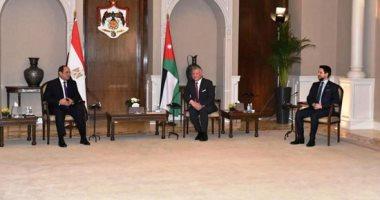 العاهل الأردنى وولى العهد يودعان الرئيس السيسي بمطار ماركا بالعاصمة عمان
