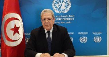 وزير خارجية تونس بعد إصاباته بكورونا: أقاوم الفيروس اللعين أعراضه قاسية